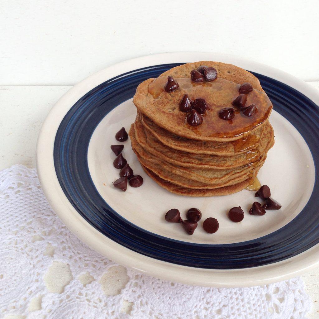 Pancakes de avena y café