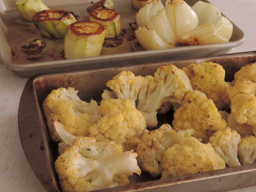 Así quedan los vegetales luego de hornearse para la bechamel saludable.