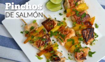 Pinchos de salmón y frutas, una explosión de sabores