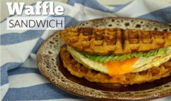 Waffle sandwich de plátano, ¡te va a encantar!